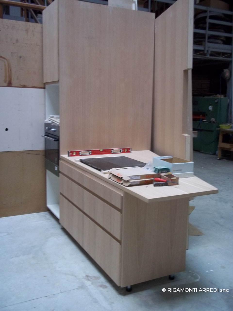 Kitchen in oak and laminated wood rigamonti arredi for Brianza arredi